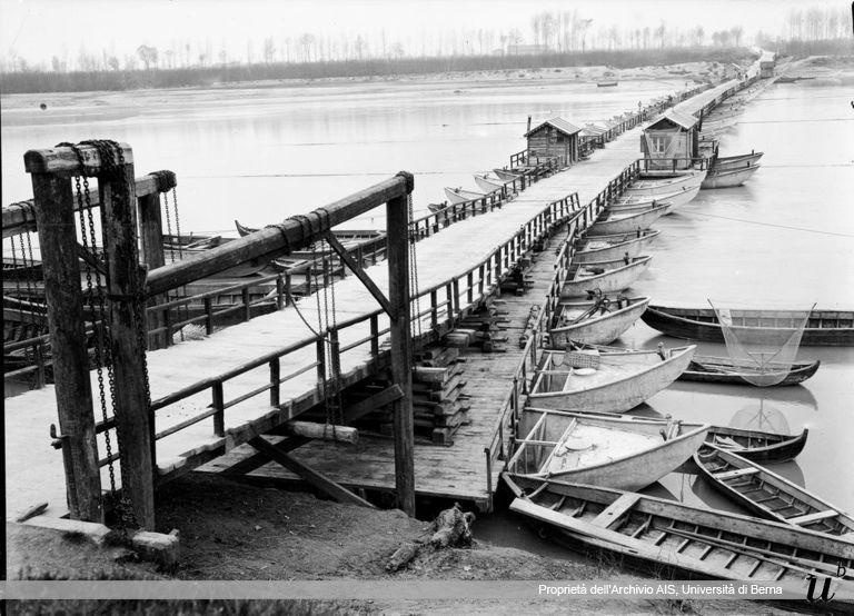 Paul Scheuermeier. Ponte di barche sul PO, Bagnolo San Vito (MN), 1921