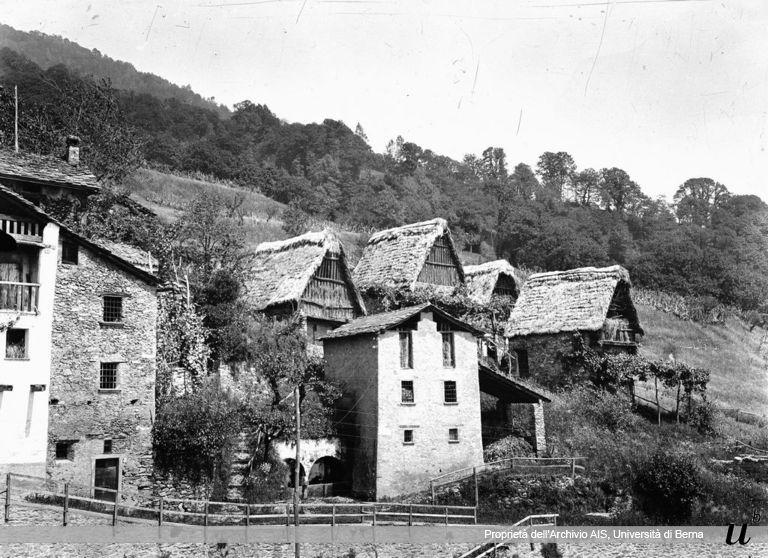 Paul Scheuermeier. Case di Germasino (CO), 1920